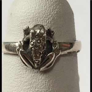 Petite Sterling a Silver Frog Ring